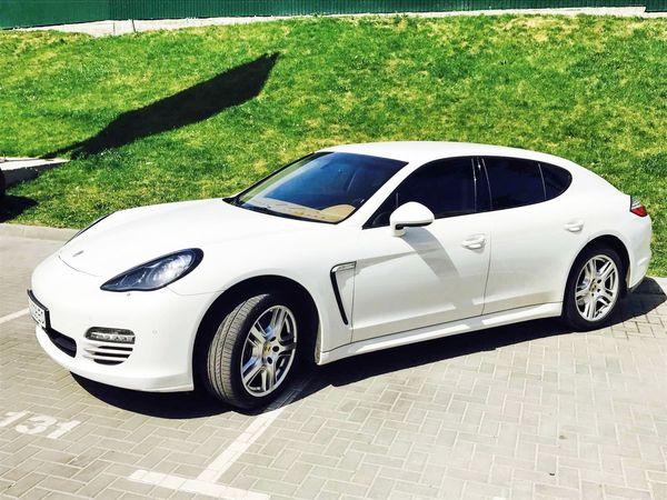Porsche Panamera белый прокат аренда