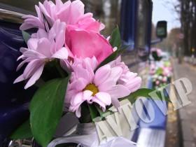 Украшение оформление машины на свадьбу живыми цветами