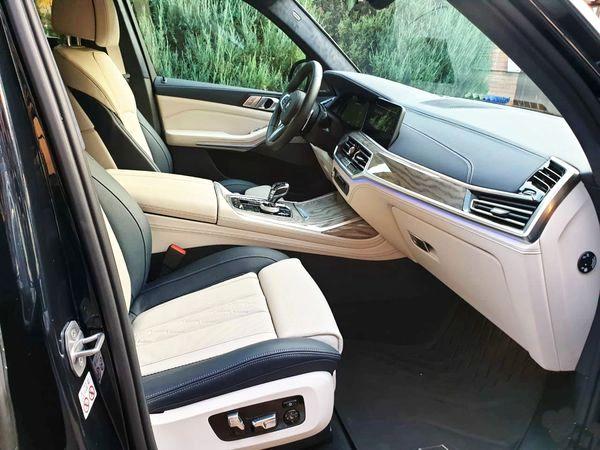BMW X7 черный заказать на прокат с водителем