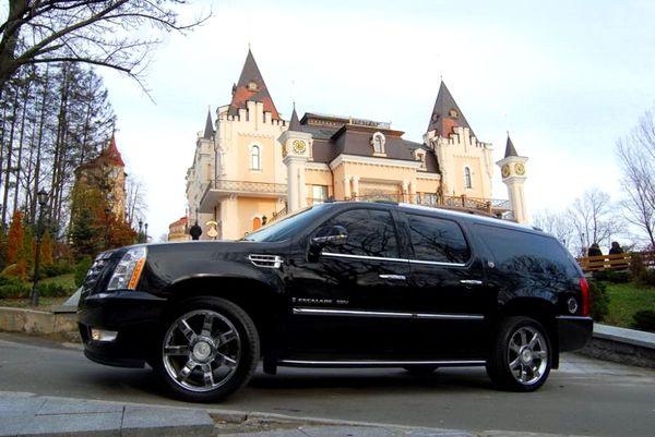 Cadillac Escalade джип черный