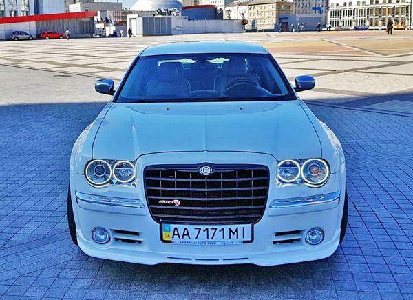 Chrysler 300C белый на свадьбу киев