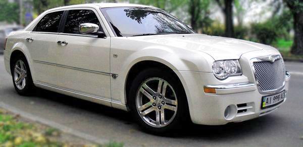 Chrysler-300C-ванильный-прокат аренда