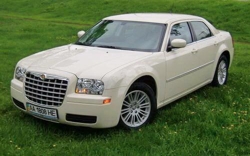 Chrysler 300C ванильный