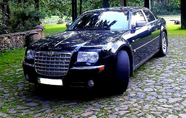 Аренда Chrysler 300C черный авто