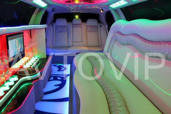 Chrysler 300C Rolls Royse Fhantom белый лимузин