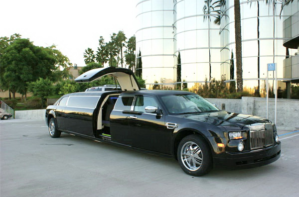 Chrysler 300C Rolls-Royse Phantom черный лимузин