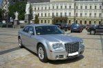 Аренда Chrysler 300C серебристый авто бизнес класса Киев цена