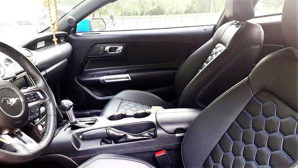 Ford Mustang купе голубой на прокат заказать в киеве