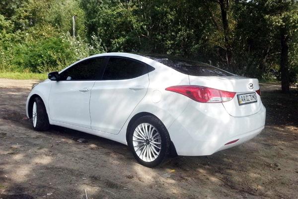 Hyundai Elantra белая на свадьбу