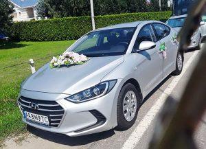 Hyundai Elantra серебристая на свадьбу