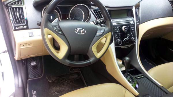 Hyundai Sonata New белая с черной крышей