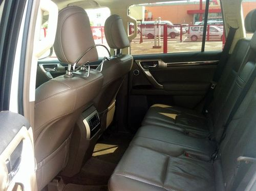 Lexus GX460 белый джип