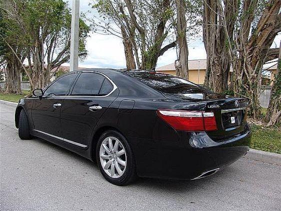 Lexus LS460 черный