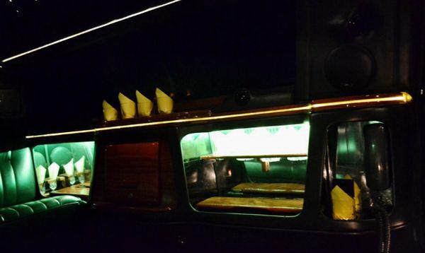 Lincoln лимузин черный аренда прокат в киеве