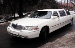 Lincoln Town Car на 7 человек на прокат лимузин киев