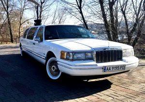 Lincoln Town Car белый 1997 год на свадьбу