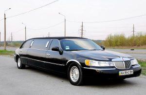 Lincoln Town Car черный на прокат в аренду на съемки трансфер