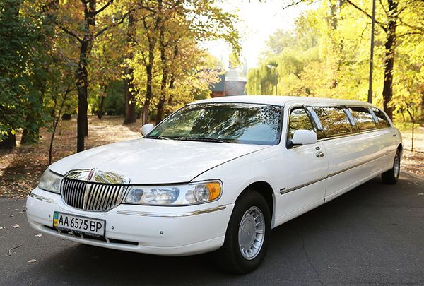 Lincoln Town Car 120 Elit заказать аренду лимузина