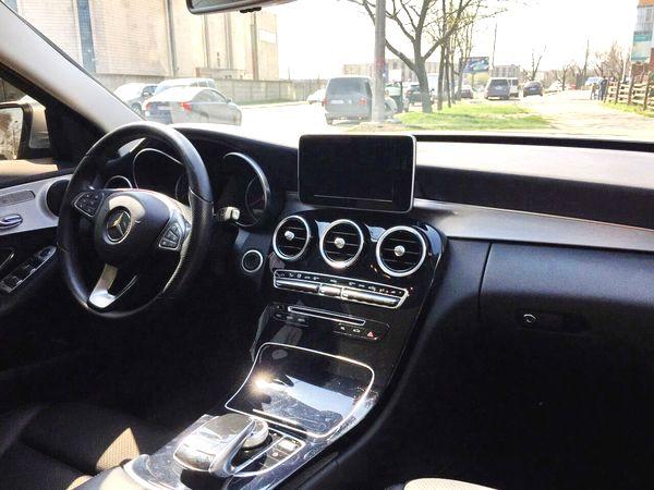Mercedes C300 серебристый на прокат в киеве