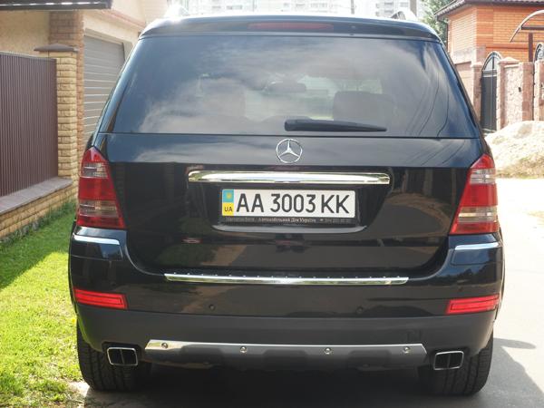 Mercedes GL550 AMG черный джип