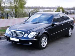 Mercedes W211 черный