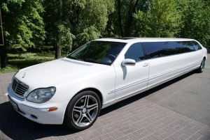Mercedes W220 S600 белый лимузин