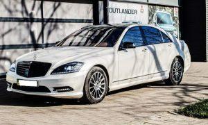 Mercedes W221 S550 белый аренда на свадьбу белый мерседес