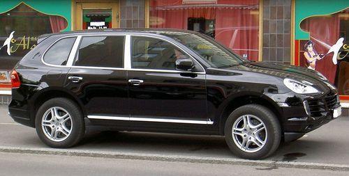 Porsche Cayenne черный джип