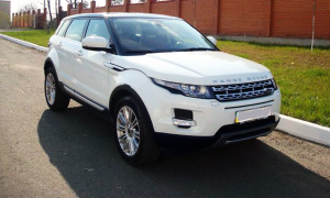 Range Rover Evoque белый прокат аренда рендж ровер белый на свадьбу в киеве цена аренды белый ренд 01