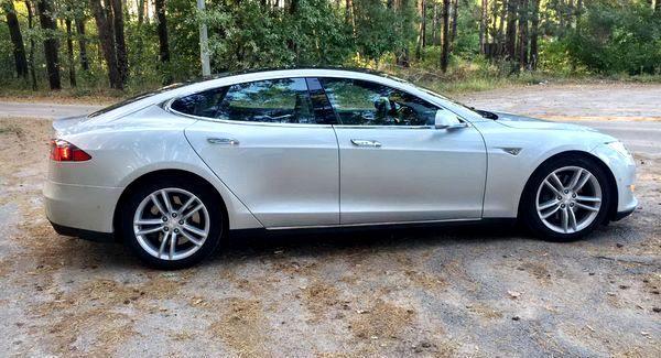 Tesla Model S90d прокат аренда тесла на свадьбу