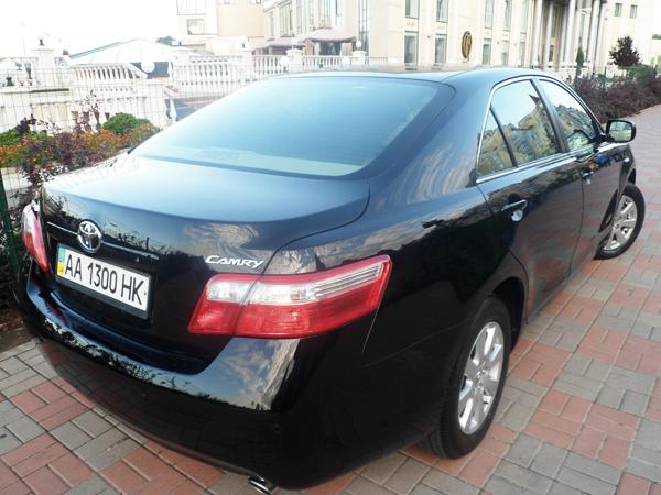 Toyota Camry V40 черная