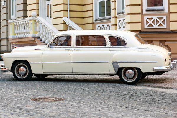 Zim GAZ12 новый ретро автомобиль