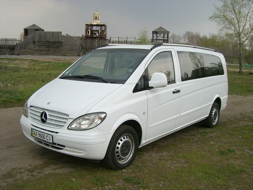 Mercedes Vito Extra Long белый микроавтобус