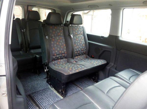 Mercedes Vito серебристый микроавтобус