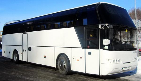 Neoplan 116 белый автобус на 50-53 мест