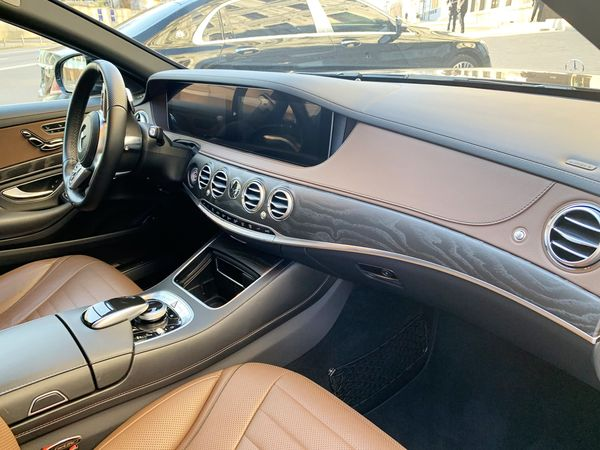 Mercedes-Benz S550 AMG 4MATIC W222 Restyling арендовать с водителем