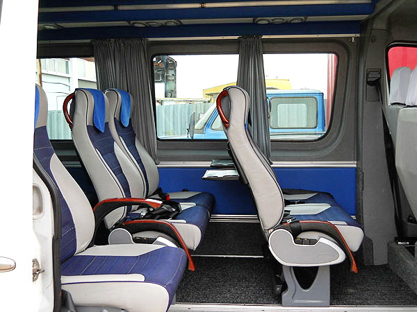 Mercedes Sprinter автобус на 12 мест