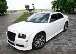 Аренда Chrysler 300C белый тюнинг «Stormtech» авто бизнес класса Киев цена
