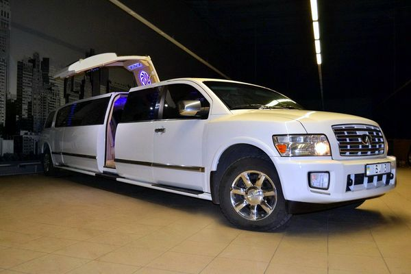 Limuzin-Infiniti-QX56 лимузин инфинити прокат аренда киев