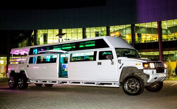 Mega Hummer H2 самый большой хамер лимузин киев