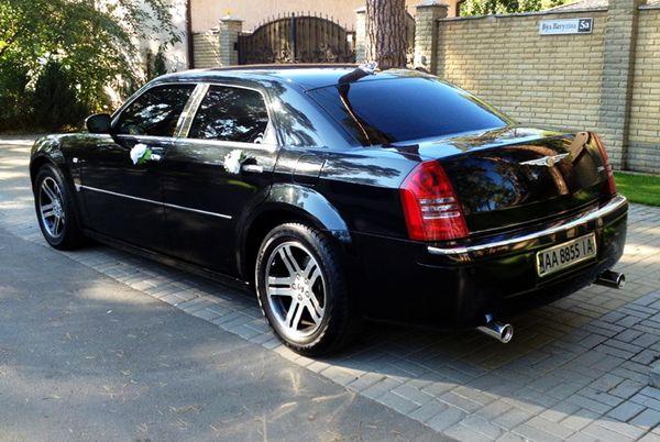 Chrysler 300C черный на прокат киев