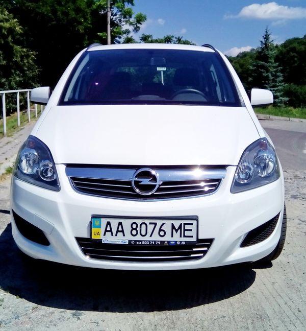 Opel Zafira аренда минивена по украине