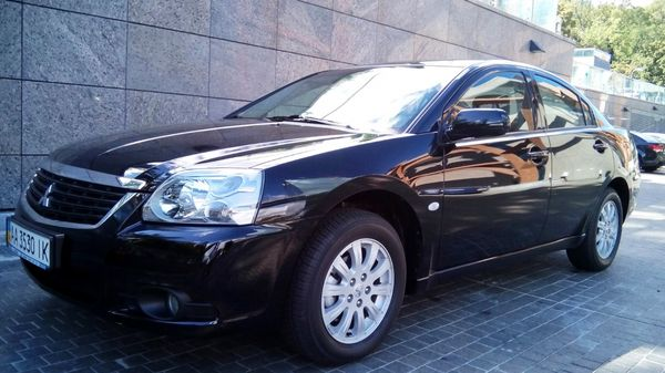 Mitsubishi Galant заказать на прокат
