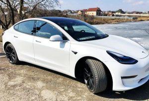 TESLA Model 3 белая заказать на прокат на свадьбу