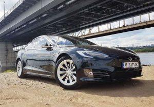 Tesla model S 75D 2017 арендовать с водителем прокат без водителя