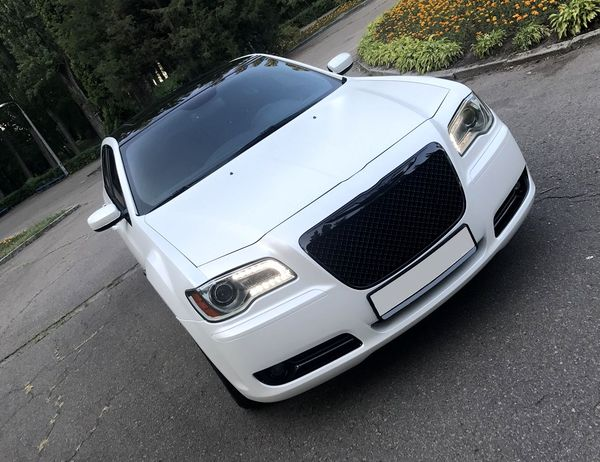Chrysler 300C новый прокат аренда