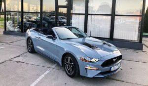 Ford Mustang GT голубой кабриолет на свадьбу съемки