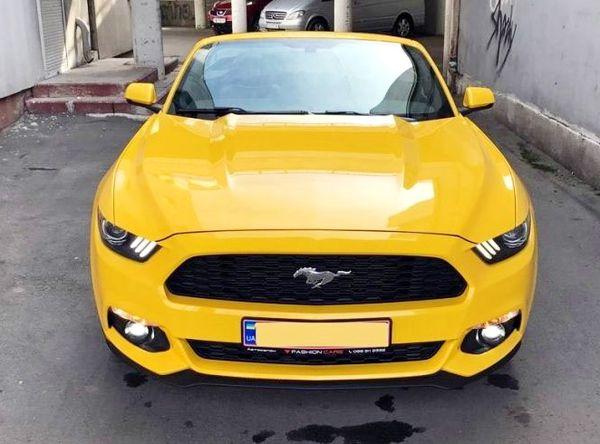 Ford Mustang GT желтый кабриолет аренда