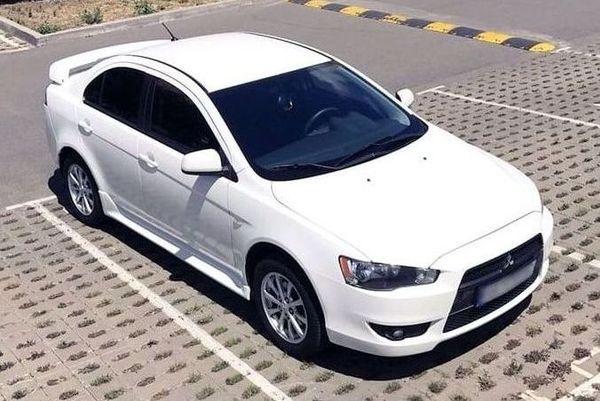 Mitsubishi Lancer белый на свадьбу киев
