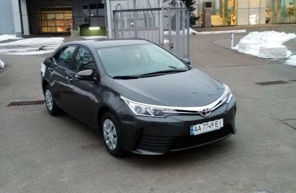 Аренда авто Toyota Corolla серая